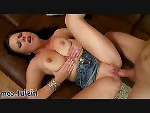 Эротика брюнетка с большими сиськами трахается порно видео