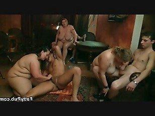 Эротика Брюнетка пополнела ебля в разных позах порно видео