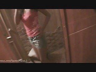 Эротика Желанная красотка демонстрирует свое впечатляющее тело порно видео