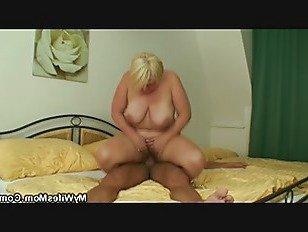 Эротика Она находит грудастая блондинка мама верхом мужья петух порно видео