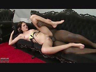 Эротика Застенчивый студент колледжа маленькие упругие сиськи миниатюрные трусики секс порно видео