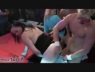 Эротика Бес в ребро бомбы прибиваются в оргии порно видео