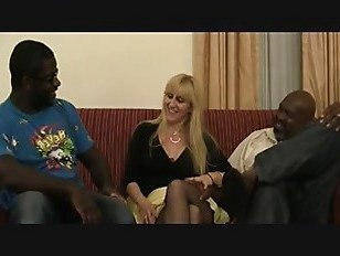 Эротика Любитель блондинка мамаша ебать черный человек порно видео