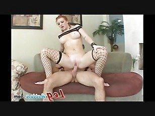 Эротика Бритни Мэнсон раздвигает ноги и трахаются порно видео