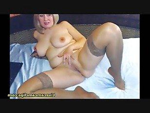 Эротика Большая задница грудастой милфа в чулки порно видео