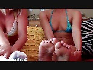 Эротика Вы не можете получить достаточно из мой ноги в эти сексуальный носки порно видео