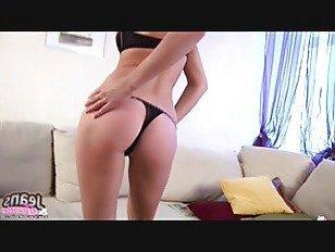 Эротика Вы можете помочь мне выдавить из этих узких джинсов порно видео